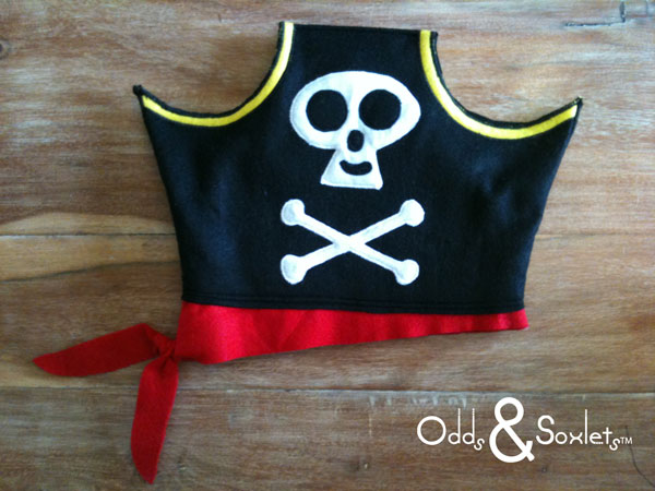 Odds & Soxlets FREE Pirate Hat Pattern