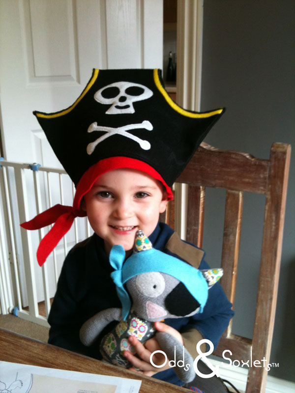 how to make a pirate hat instructions