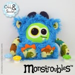 Monstroubles-Batch-01-6b-2016-01-Biddy-Azure-Dino-Odds-and-Soxlets-Copyright-Erica-Martyn-PREVIEW-FULL
