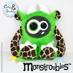Monstroubles-Batch-02-6d-2016-01-Twiddy-Green-Giraffe-Odds-and-Soxlets-Copyright-Erica-Martyn-PREVIEW-FULL