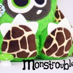 Monstroubles-Batch-02-6d-2016-01-Twiddy-Green-Giraffe-Odds-and-Soxlets-Copyright-Erica-Martyn-PREVIEW-TOES