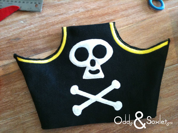 Odds&Soxlets-FREE-Pirate-Hat-Pattern-Step-By-Steps-9